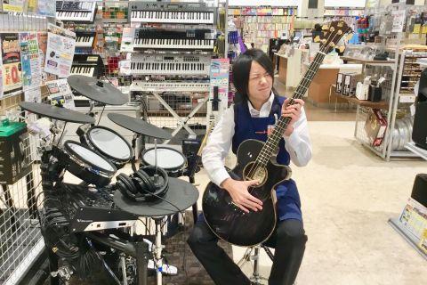 スタッフ写真エレキギター・エレキベース中村