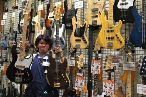 スタッフ写真ベース・エフェクター・ギターパーツ新井