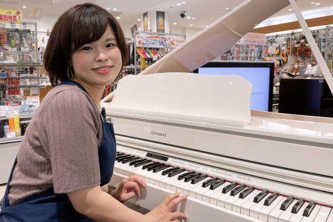 スタッフ写真ピアノアドバイザー・電子ピアノ担当新庄