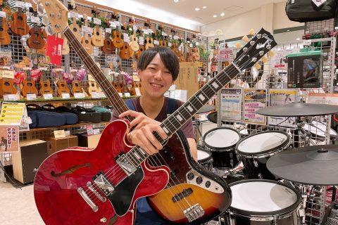 スタッフ写真エレキギター担当中村