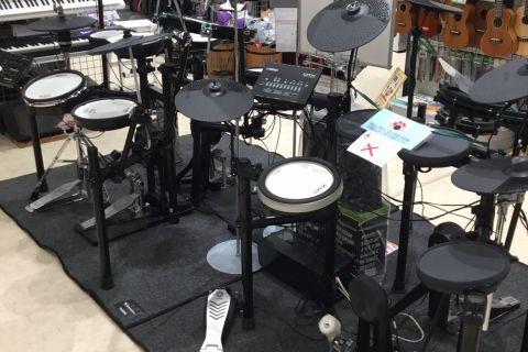電子ドラム 売り場 1