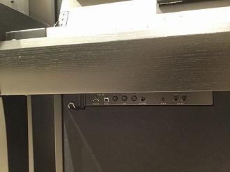 CLP-685鍵盤下