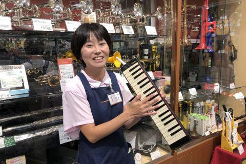 スタッフ写真電子ピアノ、キーボード、和楽器、教育楽器杉本