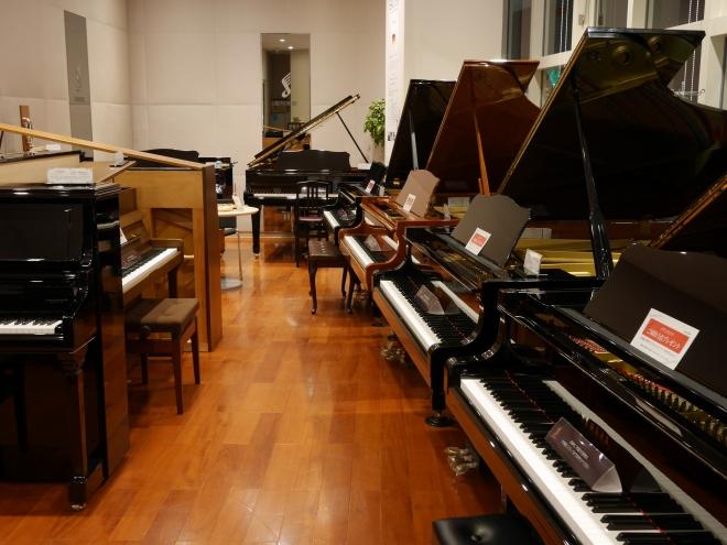 島村楽器エミフルMASAKI店ピアノショールーム