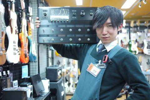 スタッフ写真アンプ・エフェクター・電子ドラム沖田