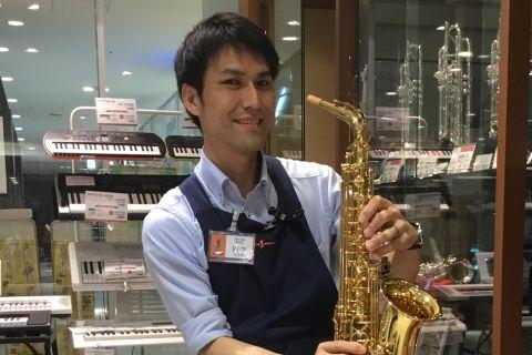 スタッフ写真副店長田中