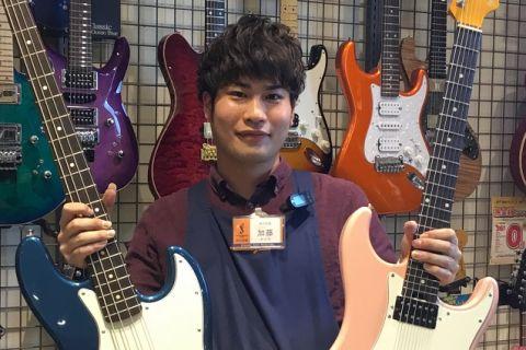 スタッフ写真ギター・ベース・ウクレレ加藤