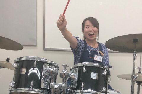 スタッフ写真教育楽器・ドラムアクセサリー倉田
