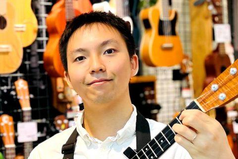 スタッフ写真アコースティックギター・ウクレレ松本