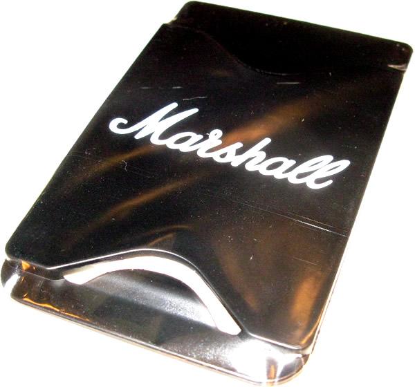 数量限定、DSLシリーズお買い上げの方に「特製ロゴ入りモバイルカードポケット」をプレゼント♪