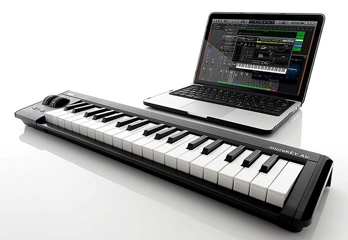「KORG microKEY Air」には、ミニ鍵盤ながら高い評価を得てるナチュラル・タッチ・ミニ・キーボードを採用しています。
