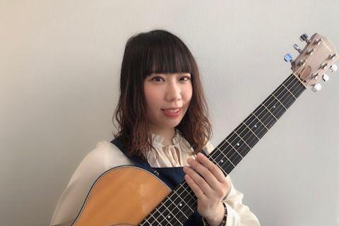 スタッフ写真担当コース:ピアノ/オカリナ/ギター/ボーカル/ハープ/作曲平塚