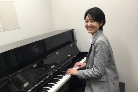スタッフ写真ピアノインストラクター相谷