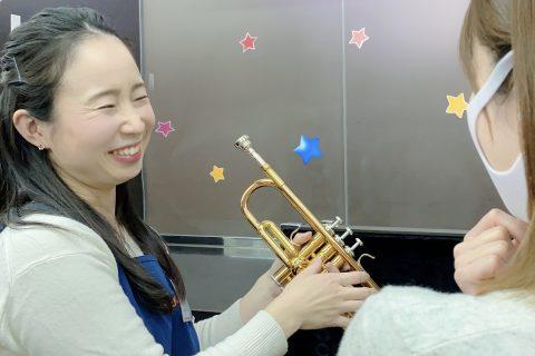 スタッフ写真由井