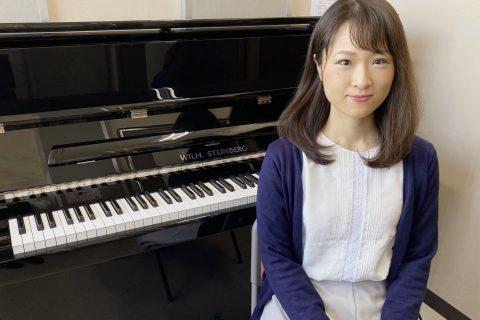 スタッフ写真ピアノインストラクター上田 南