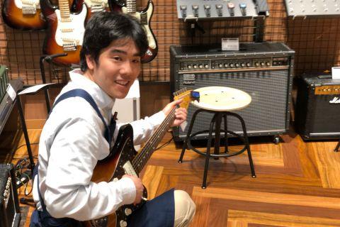 スタッフ写真ギター関連HP 担当黒田