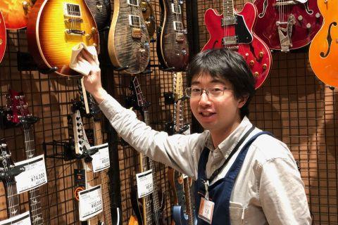スタッフ写真ギター / ベース 担当工藤