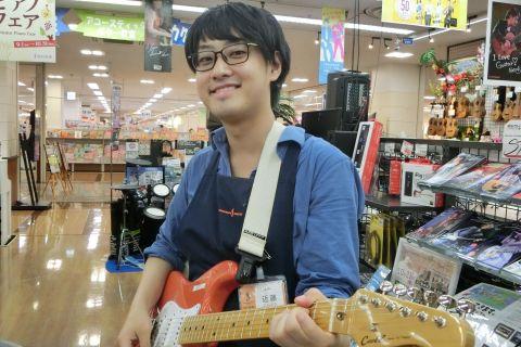 スタッフ写真ギター近藤