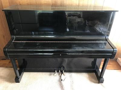 ピアノ正面