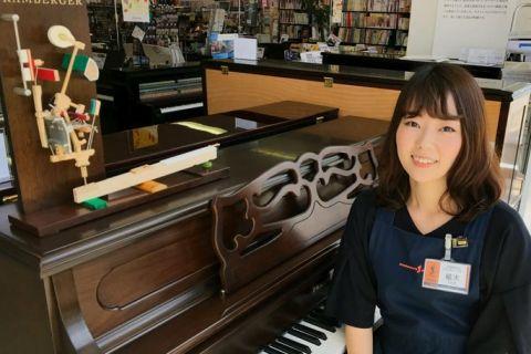 スタッフ写真ピアノシニアアドバイザー、防音アドバイザー植木