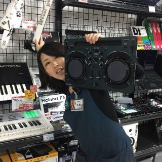 スタッフ写真シンセサイザー,DJ,音楽教室担当濵口