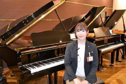 スタッフ写真副店長、アップライトピアノ、グラントピアノ、音楽教室、コンサート運営、楽譜種橋