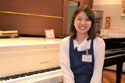 スタッフ写真<アップライト・グランドピアノ、電子ピアノ担当>ピアノ上級アドバイザー木全