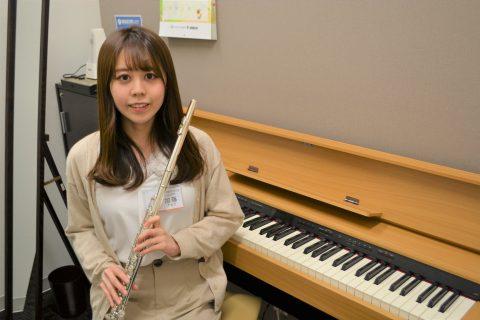 スタッフ写真<フルートインストラクター>管楽器アドバイザー・音楽教室アドバイザー加藤
