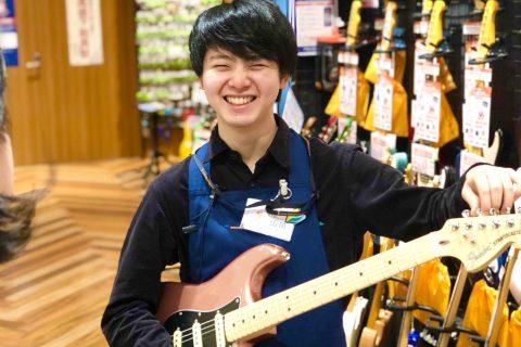 スタッフ写真エレキギター・エレキベース・スコア・WEB山田