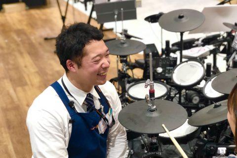 スタッフ写真ドラム・DTM・シンセ・PA・WEB西野