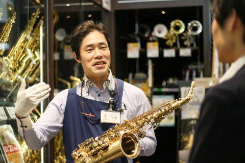 スタッフ写真管楽器(島村楽器管楽器シニアアドバイザー)、弦楽器、ナゴパルウインドアンサンブル運営・指揮宇野 雄一