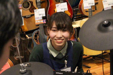 スタッフ写真ドラム八木
