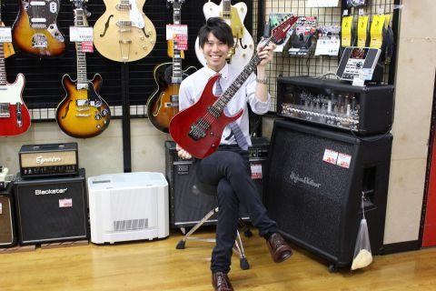 スタッフ写真アコースティックギター、ギターアクセサリー稲垣