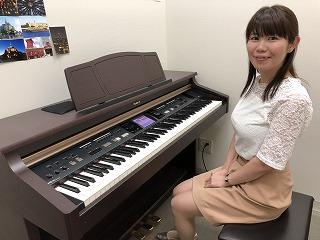 スタッフ写真ピアノサロン インストラクター大沼
