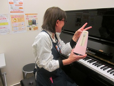 スタッフ写真ピアノ、キーボード石崎奈津子