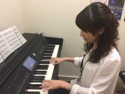 スタッフ写真ピアノインストラクター川合麻里