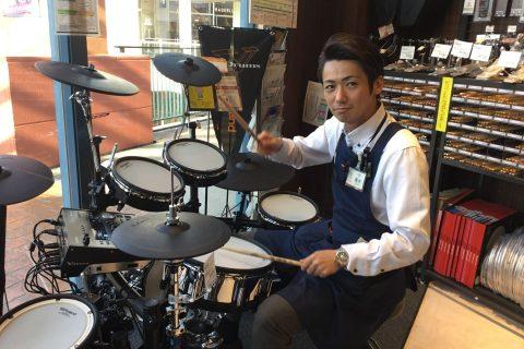 スタッフ写真店長・ドラム・ピアノ上級アドバイザー藤井