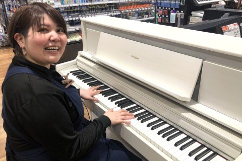 スタッフ写真管楽器、電子ピアノ、アップライトピアノ松田