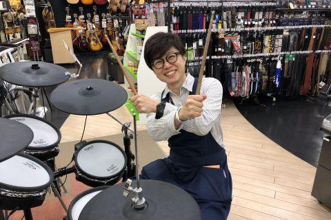 スタッフ写真ドラム・音楽教室青島