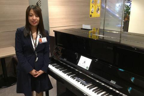 スタッフ写真電子ピアノ・音楽教室新垣