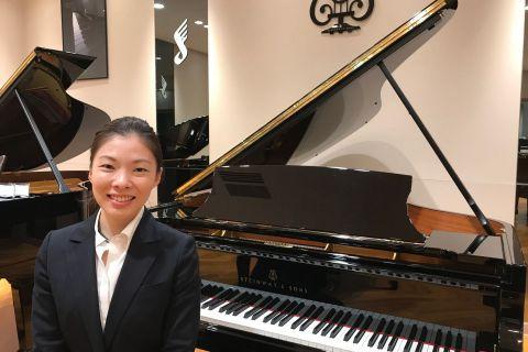 スタッフ写真ピアノ(ピアノ・コンサートイベント担当)髙宮