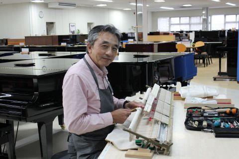 スタッフ写真調律師松田