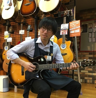 アコースティックギター担当松本