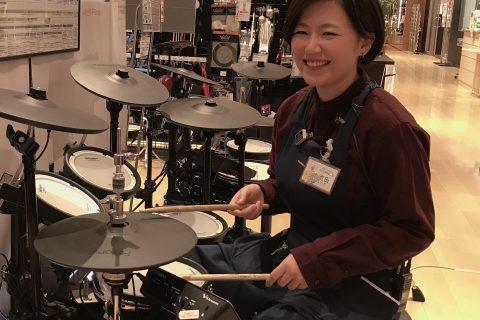 スタッフ写真ドラム池田