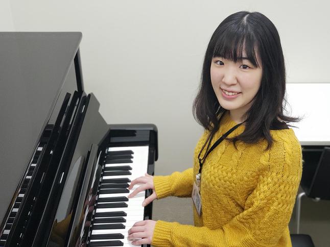 ピアノインストラクター信山