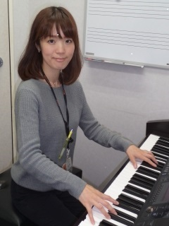 ピアノインストラクター松本愛弓