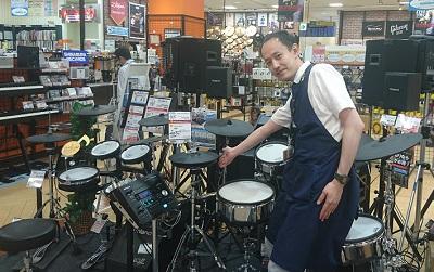 スタッフ写真ドラム・ドラムアクセサリー 担当石橋