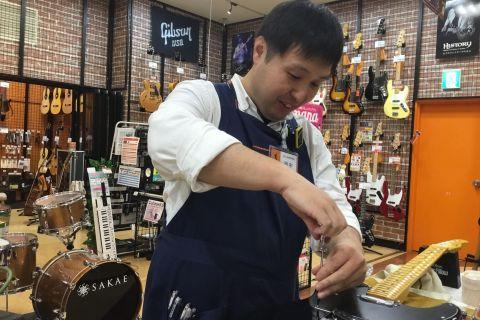 スタッフ写真エレキギター・ベース・コンパクトエフェクター 担当田中