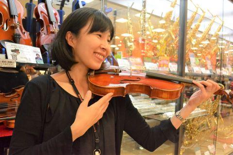 スタッフ写真ヴァイオリンインストラクター兼弦楽器担当香田
