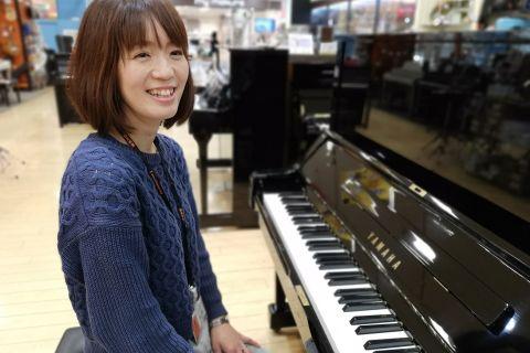 スタッフ写真ピアノ・保育士ピアノ・ソルフェージュインストラクター兼楽譜担当松本